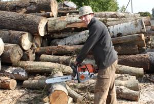 Нарыхтоўваем дровы і брыкет