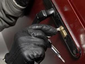 Осенью и зимой возрастает количество краж из дачных домов
