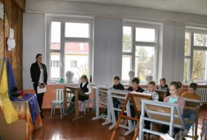 Молодой специалист Наталья Шакутина преподает предметы живописи и рисунка.
