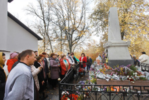 IMG_0982-у могилы Пушкина