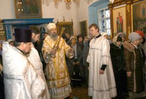 Епископ Полоцкий и Глубокский Феодосий посетил Верхнедвинский храм