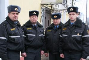 (Слева направо) милиционер-водитель ОДС А. В. Каськович, начальник ОГАИ А. Г. Круклинский, ст. участковый инспектор И. В. Александрович, старший оперуполномоченный группы Н и ПТЛ Д. П. Анисько.