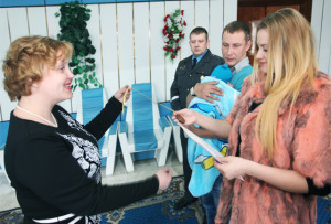 В Верхнедвинском ЗАГСе прошла торжественная регистрация новорожденного
