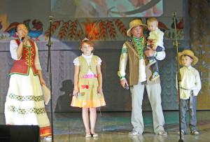 У конкурсе «Вітаем па-беларуску» сям'я  Салавых атрымала грамату за першае месца.