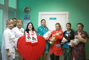 В родильном отделении Верхнедвинской ЦРБ поздравили мам с новорожденными