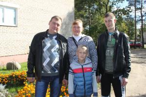 В. Д. Дадеко с женой Татьяной  и сыновьями Даниилом и Виталием.