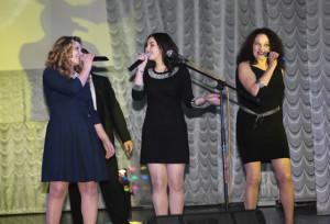 На сцене Ольга Мороз,  Дарья  Шук  и Майя Рубель.