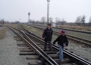 Соблюдайте правила поведения на железной дороге