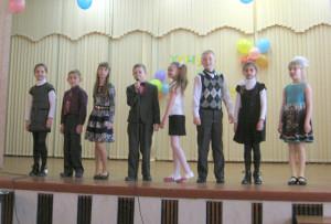 Весёлые частушки исполняет коллектив «Детвора».