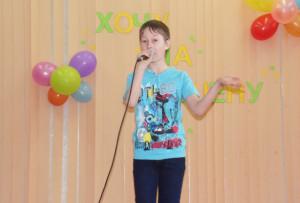 Поёт Святослав Гончаров.
