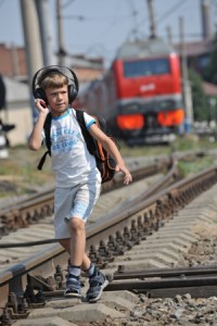 Соблюдайте осторожность на железной дороге