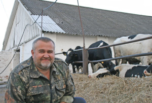 За воспроизводство КРС отвечает Николай Гордынский.