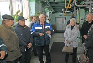 Перед участниками семинара выступает  Н. Н. Полочанин.