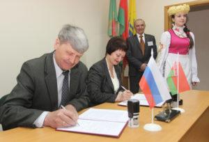 В Верхнедвинском районе подписаны договоры о сотрудничестве с Себежским районом России