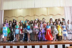 В Верхнедвинской СШ №2 прошел фестиваль экологической моды