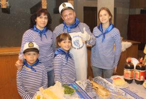 Обладатель Гран-при дружная - семья Новицких.
