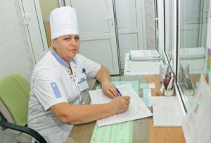 На посту медсестра Б. В. Янович.