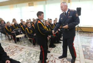Верхнедвинский школьник получил в подарок часы от Министра внутренних дел