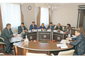 В Верхнедвинске приём граждан провёл заместитель  премьер-министра Беларуси Михаил Русый