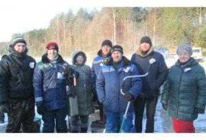 Верхнядзвінскія работнікі вёскі правялі спаборніцтвы па зімняй лоўлі рыбы