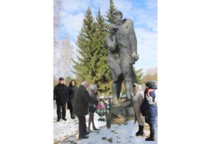 В Верхнедвинске прошли мероприятия к 75-летию Хатынской трагедии