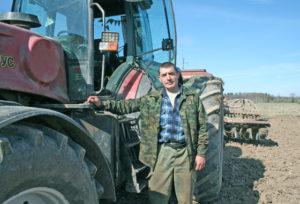 В северном районе Беларуси полным ходом идёт весенний сев