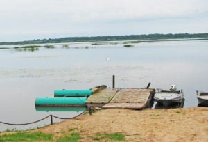 На месте приспособленных мостиков на Освейском озере появятся оборудованные причалы.