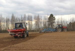 В самом северном районе Беларуси проверяется готовность к посевной