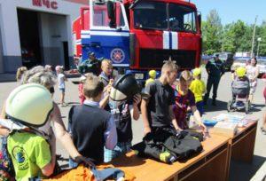 Верхнедвинские спасатели организовали праздник для детей