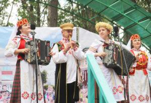Верхнедвинцы принимают участие в «Славянском базаре» в Витебске