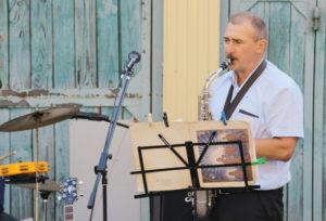 Прекрасной нотой вечера было музыкальное выступление Игоря Новикова.