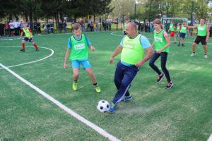 Спортивные семьи района приняли участие в турнире по мини-футболу.