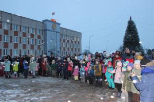 В Верхнедвинске зажглись огни на новогодней ёлке