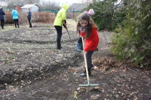 Наступило время активной уборки дворовых территорий