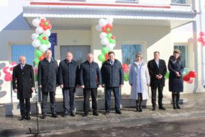В открытии поликлиники приняли участие официальные лица. Участников торжественной церемонии приветствовал Н. Н. Шерстнёв.